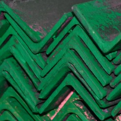Ángulo de hierro 1/4 X 2 pulgadas