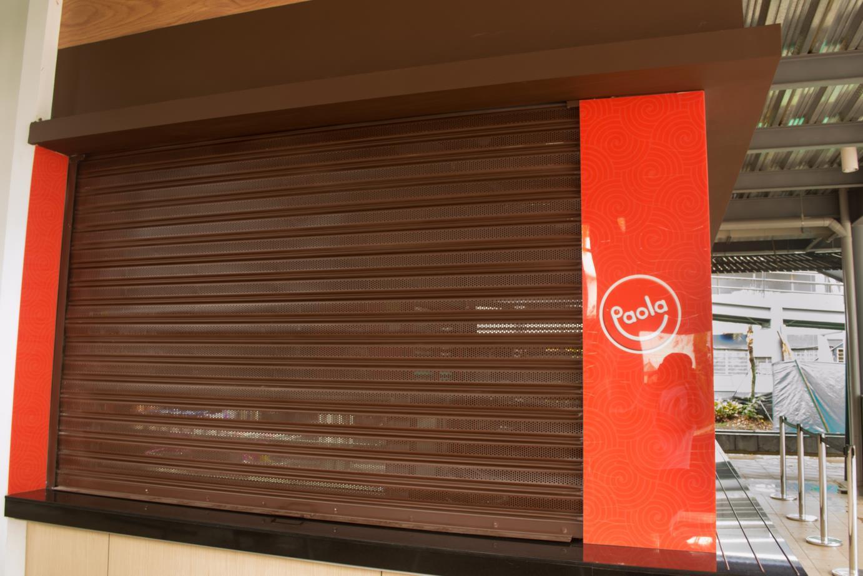 Cortina metalica en cali instalada